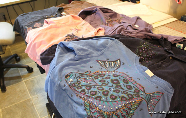 Upcycled Hand-Painted Shirts – T Shirt Totes – and a Confession – I am Not Perfectly Organized!