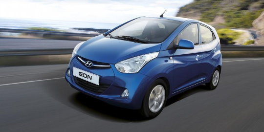 Hyundai di India tidak hanya pasarkan satu jenis mobil murah i10 saja. Tapi  ada Hyundai EON yang lebih murah lagi yaitu dengan dibanderol harga Rs  287.972 ... eb81a26ac6