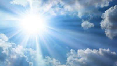 燦燦と光り輝く太陽