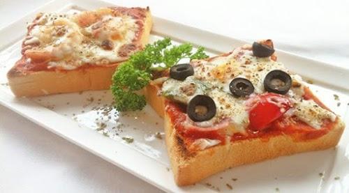 طريقة تحضير بيتزا التوست المحمص