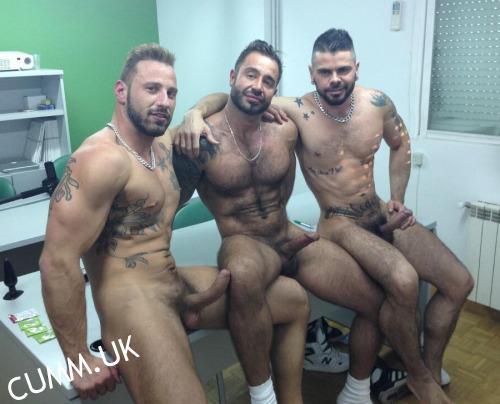 gay escort marche ragazzi gay nudi