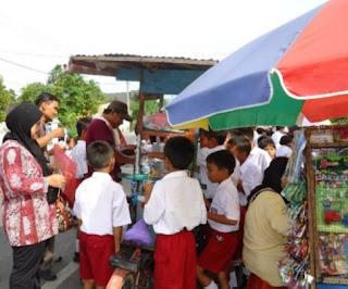 Bahan-Bahan Berbahaya Yang Mungkin Terkandung Pada Jajanan Anak di Sekolah