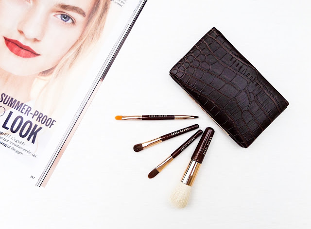 The Bobbi Brown Mini Brush Review