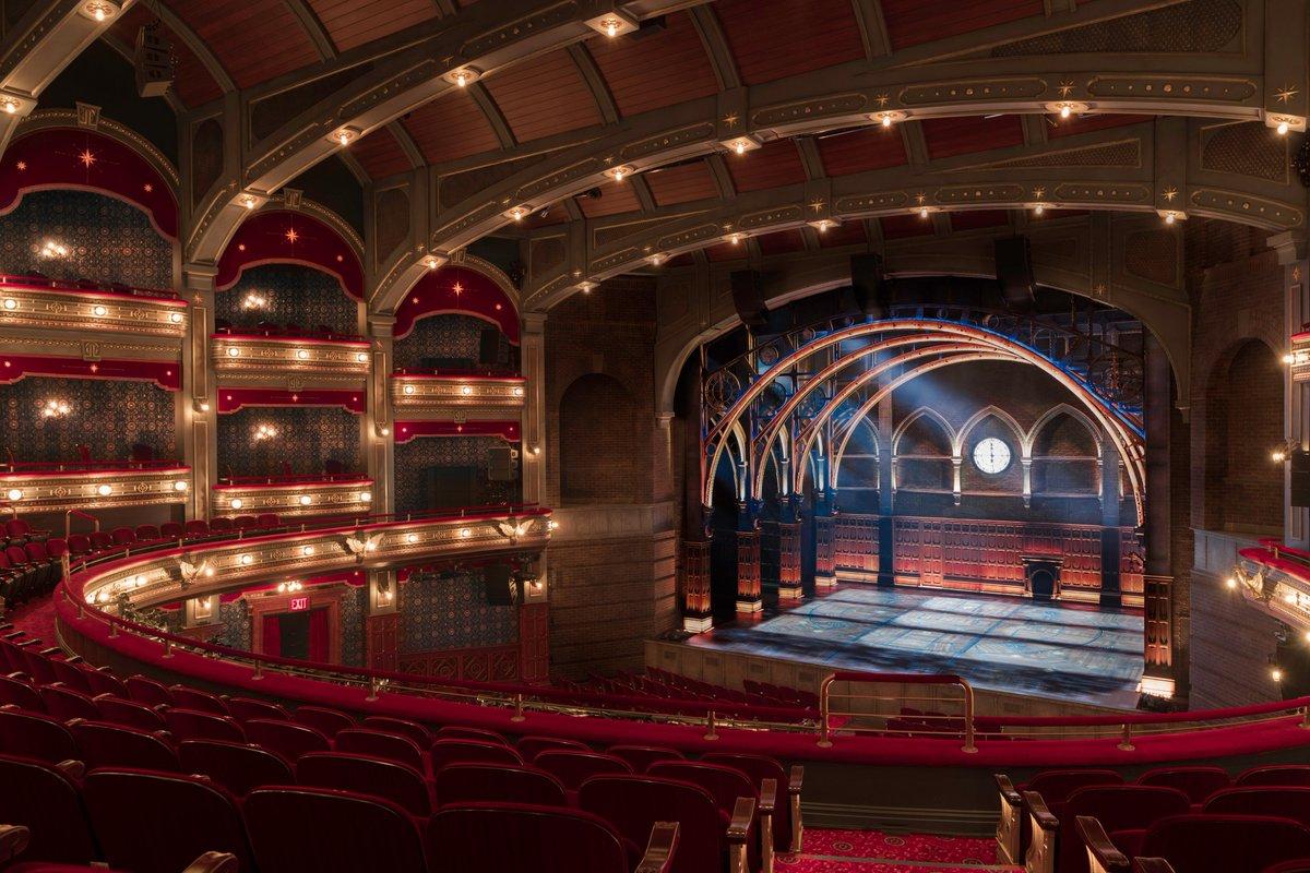 """Veja o Lyric Theatre após a reforma para receber """"A Criança Amaldiçoada"""" em Nova York."""
