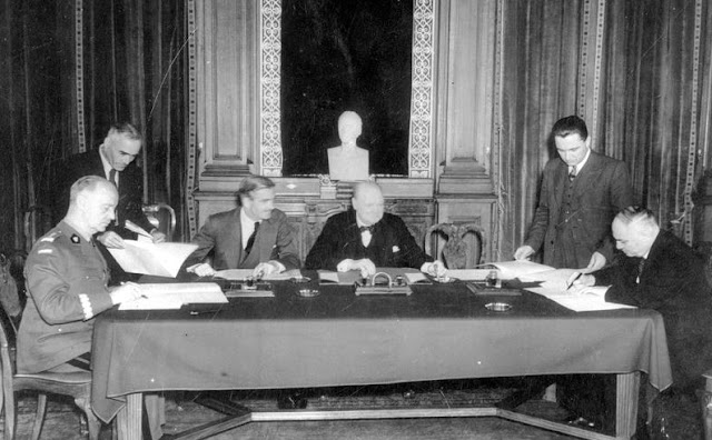Signing of the Sikorski-Maisky Agreement, 30 July 1941 worldwartwo.filminspector.com