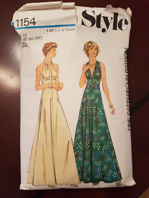 1970s dress, long flow and classy