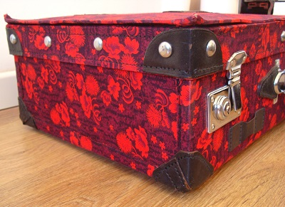 Comprar maleta original con colores llamativos para decorar