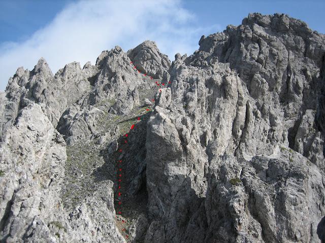 Rutas Montaña Asturias: Desde la Puerta del Arco camino a los Castillines