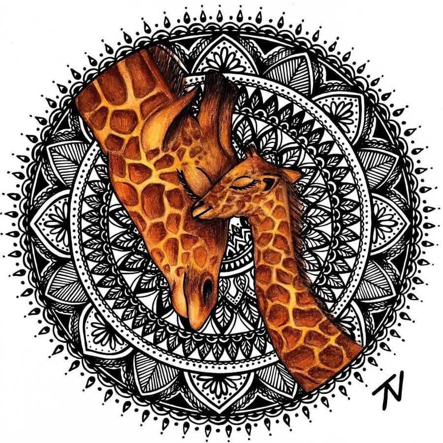 06-Giraffe-Nigar-Tahmazova-Color-Plus-B&W-Animal-Ink-Drawings-www-designstack-co