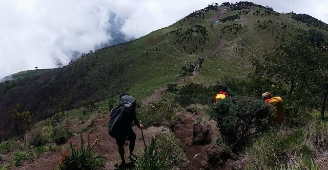 foto pendakian gunung merbbau via selo