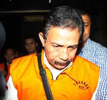 Bupati Batubara OK Arya Zulkarnain saat ditangkap KPK