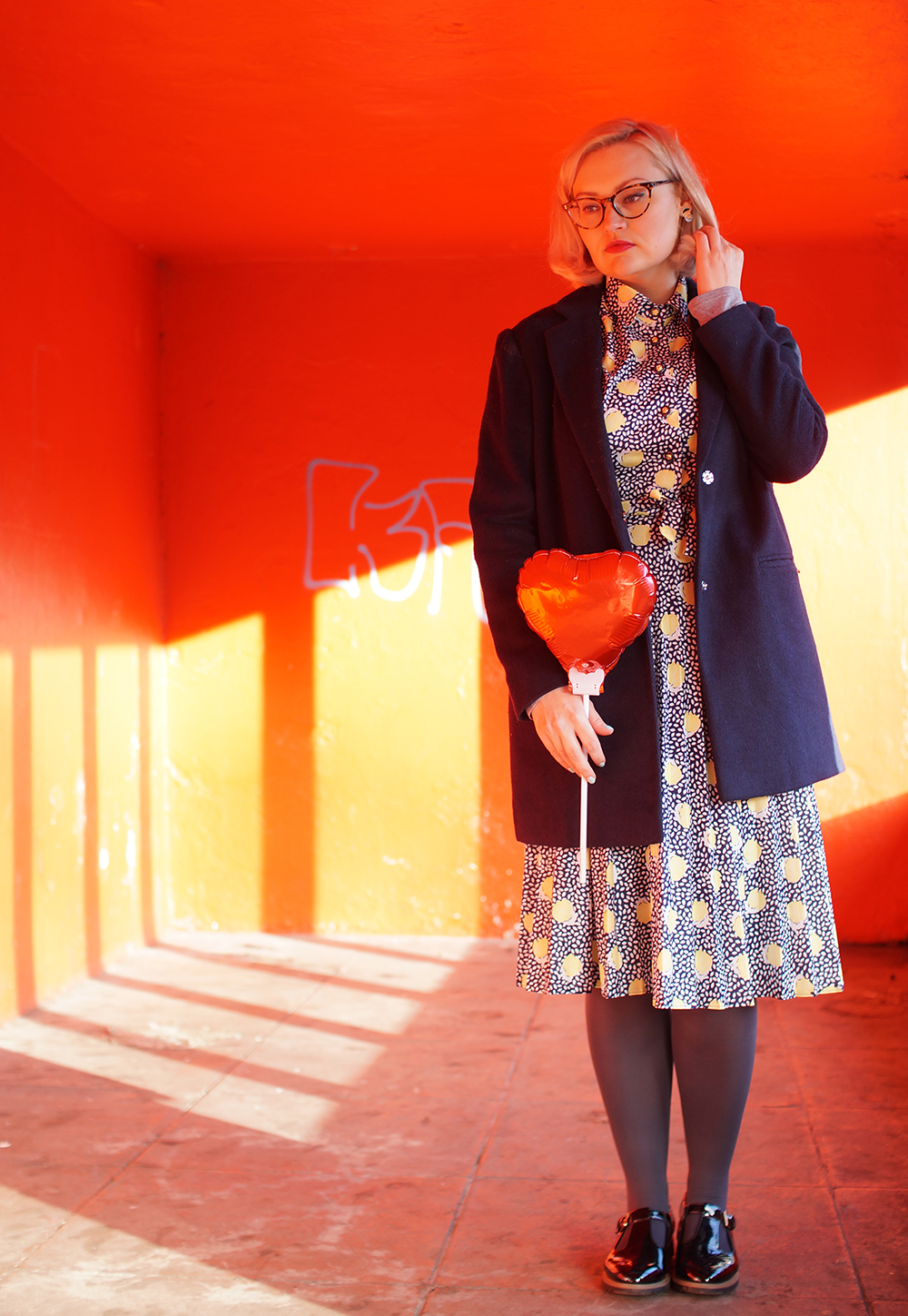 lemon print, heart shape balloon, oversized navy jacket from New Look, best picks from the vintage kilo sale
