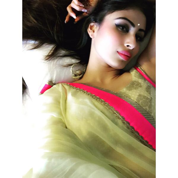 Mouni Roy Sweet HD Wallpaper Images