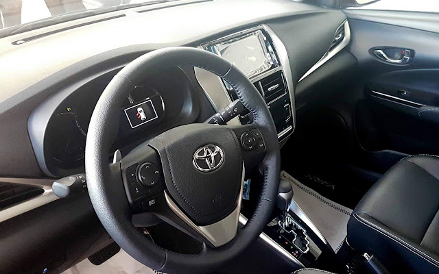 Toyota Yaris Hatch XLS 1.5 CVT - interior