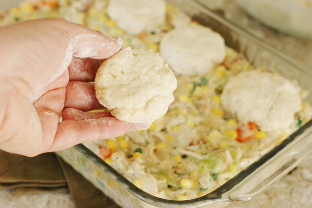 Bacon & Corn Chicken Pot Pie ~ the classic combination of carrots, celery, onion, and shredded chicken nestled in creamy sauce gets even better with the addition of bacon & sweet corn.   www.thekitchenismyplayground.com