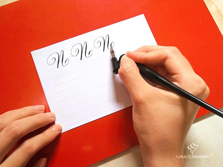 caligrafia copperplate aprende escribir letra n abecedario