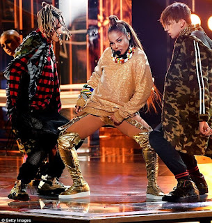 Photos from Janet Jackson's sexy and electrifying performance at the Billboard Music Awards 9