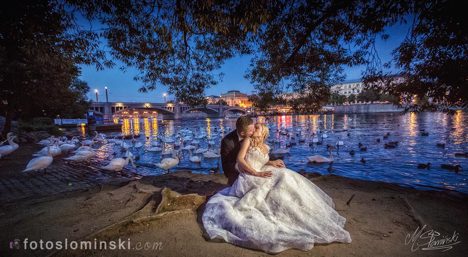 Piękne zdjęcia #ślubne - Sesja plenerowa w Pradze - Fotoslominski.Com