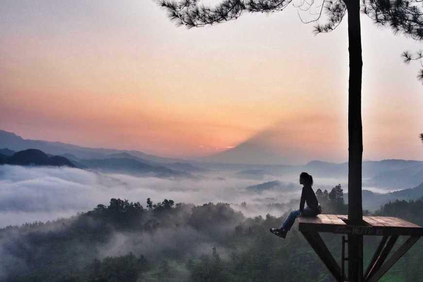 Hasil gambar untuk gambar Bukit Pentulu Indah