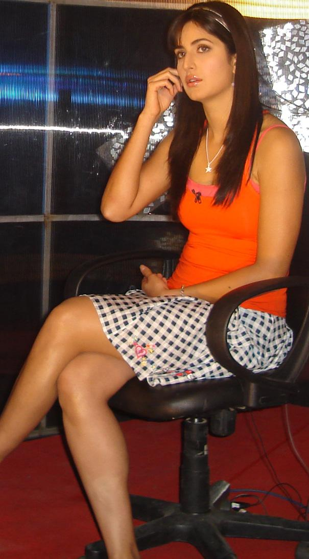 Katrina Kaif Hot And Sexy Images Katrina Kaif Mini Skirt -8462