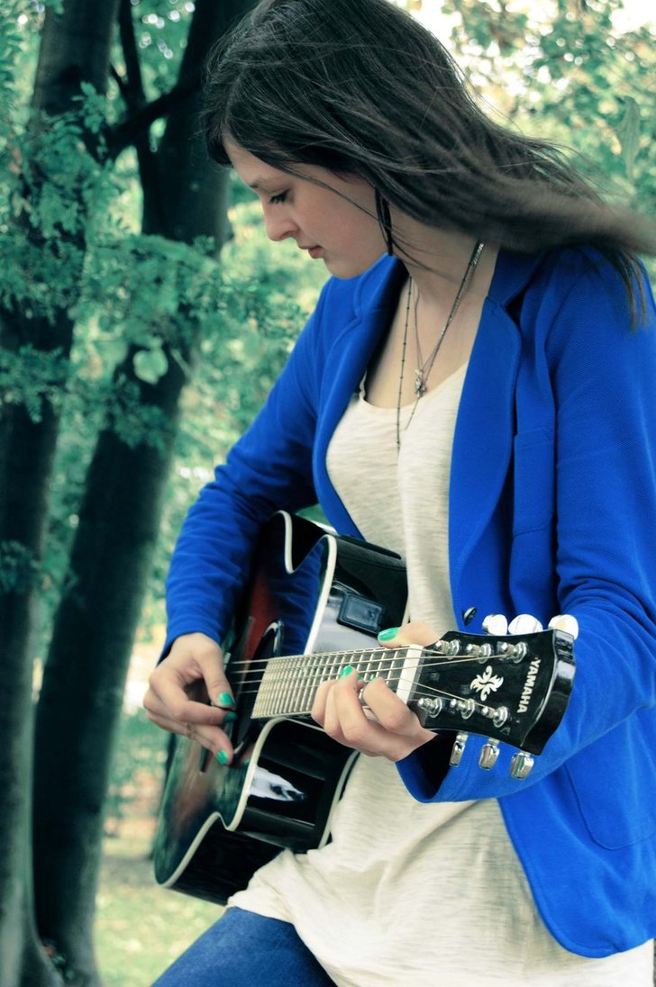 Info-tagging: Guitar Girls images