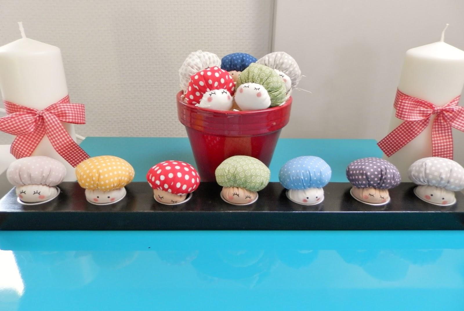 coton et cr ation du fil des aiguilles et des id es champignons en tissu. Black Bedroom Furniture Sets. Home Design Ideas