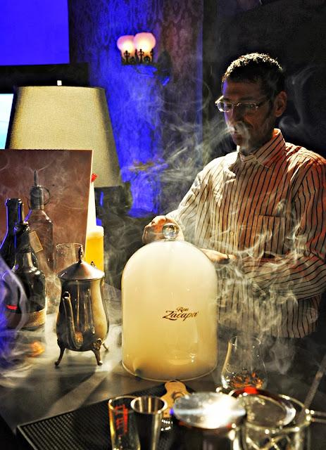 Ron-Zacapa-Cocktail-mit-Rauch
