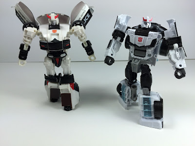 universe prowl compare combiner wars prowl