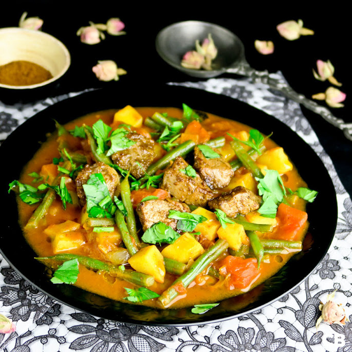 Recept Geurige groenteschotel met varkenshaas en ras-el-hanout
