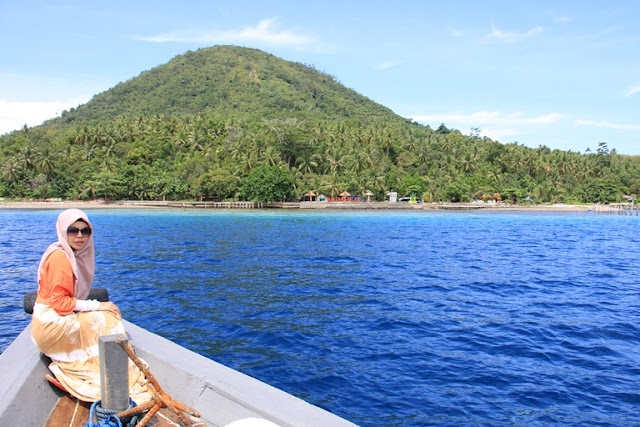 pulau maitara tidore