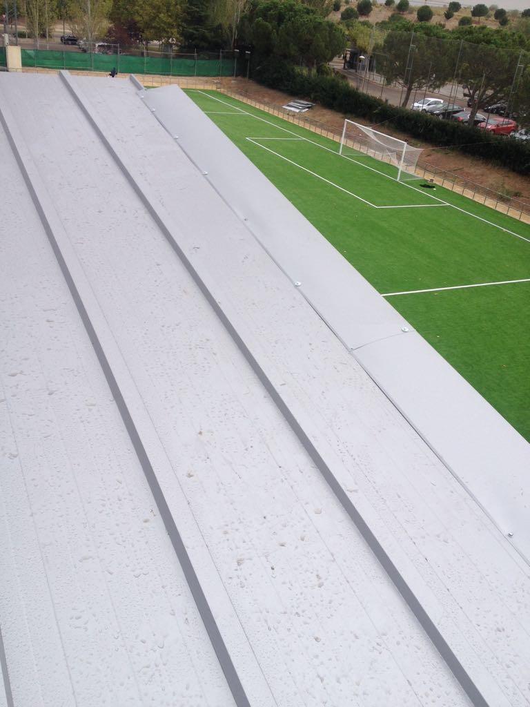 Chapa para tejado el mejor precio instaladores panel for Tejados de chapa