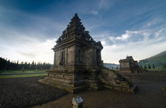 Wisata Candi Arjuna di Dieng Dengan Suasana yang Sejuk Tempat Wisata Terbaik Yang Ada Di Indonesia: Wisata Candi Arjuna di Dieng Dengan Suasana yang Sejuk