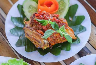 Bukit Air Resto Tempat Makan di Bogor Yang Keren Banget