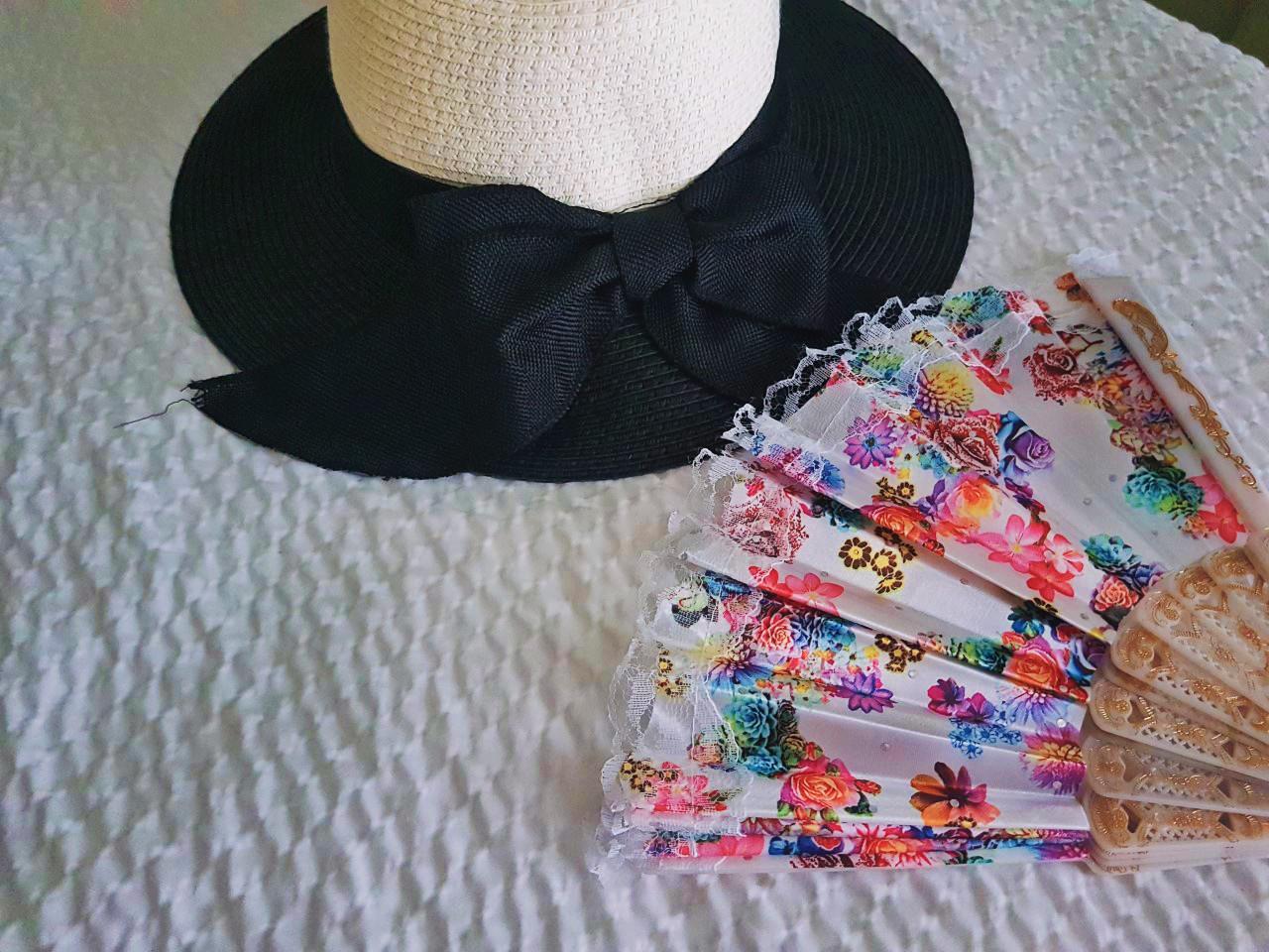 fashion, accessories, New Orleans, sun hat, fan, blogger, tourist, travel