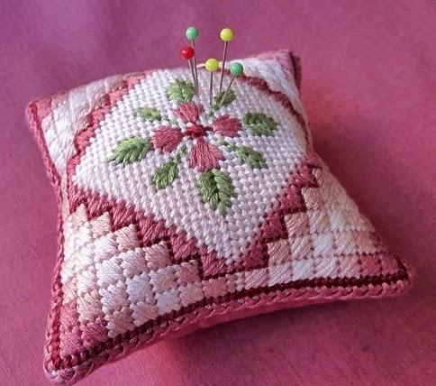 haftowana poduszeczka igielnik