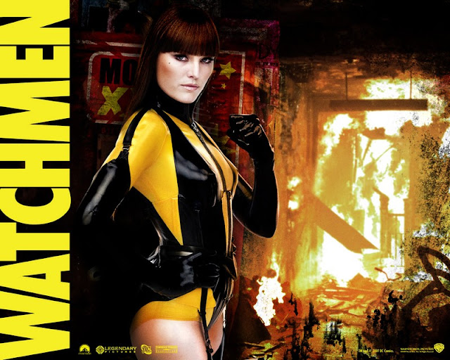 Malin Akerman sexy pose in Watchmen 2009