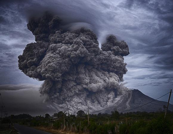 Cinzas, Erupção Vulcânia