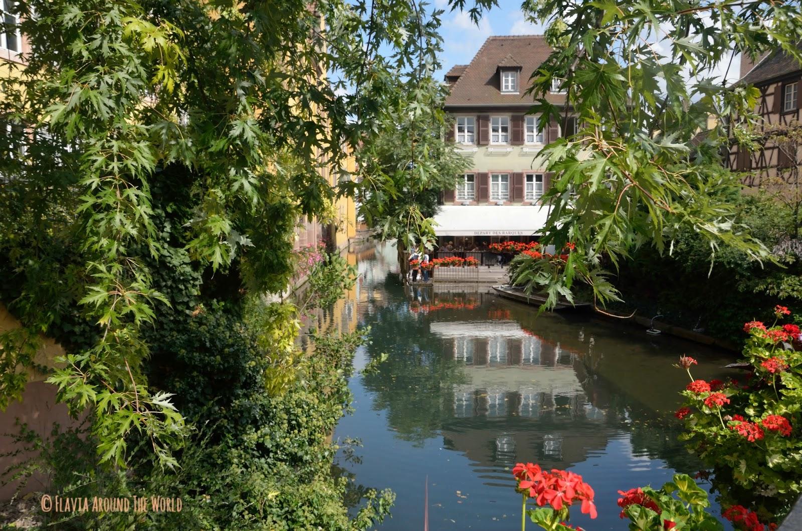 Canales de Colmar en la pequeña Venecia