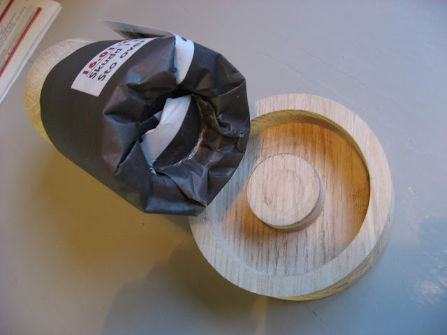 Tips til hvordan du lager dine egen papirpotter  - Se på bunnen av papirpotten IMG_6309