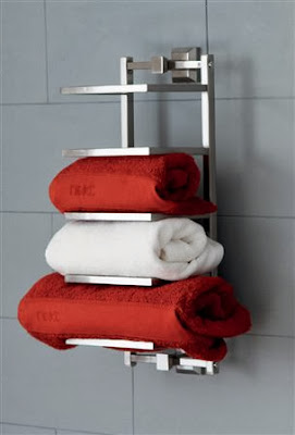 Organizing and storing bathroom towels 3 ways and 18 ideas models the grey home - Organizing small bathroom space model ...