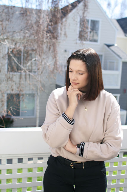 Everlane, Aritzia belt, beige sweatshirt, Yeezy, Fbloggers, Fashion, Mom Style