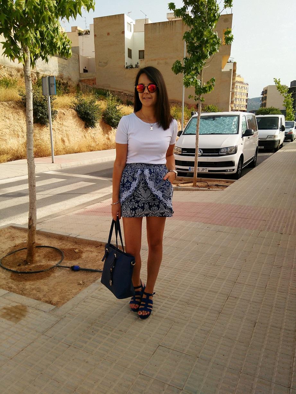 http://zaracabanyes.blogspot.com.es/2016/08/falda-pareo-look-311.html