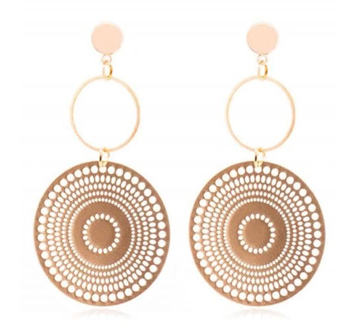 https://www.dresslily.com/geometric-round-shape-hoop-earrings-product7146973.html