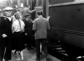 dworzec sceny pociąg