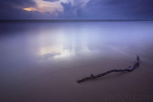 Tips Manfaatkan Garis Bantu / leading line Untuk Membidik Komposisi Foto Anda