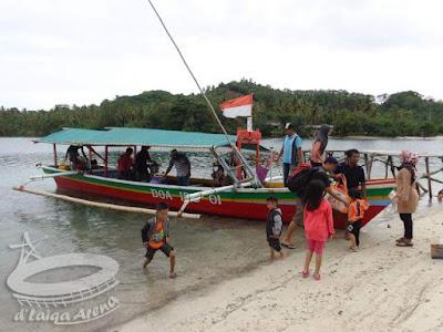 merapat di Tanjung Putus