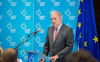 Αβραμόπουλος: Στόχος η ενσωμάτωση μεταναστών στην αγορά εργασίας
