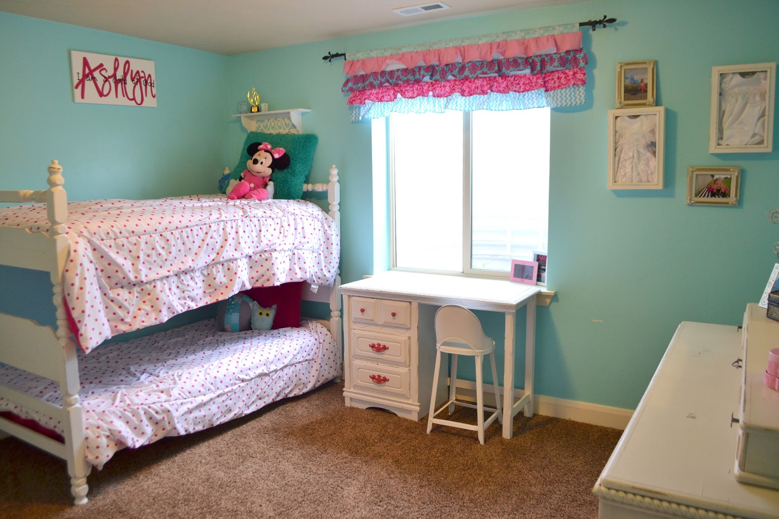 Hot pink and turquoise girls bedroom a vision to - Turquoise and pink bedroom ...