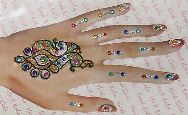 Glitter-Khaleeji-Mehndi-Designs Pics