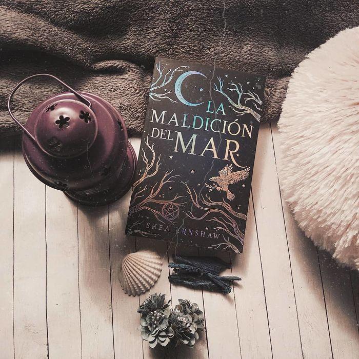 Foto del libro La maldicion del mar de la autora Shea Ernshaw